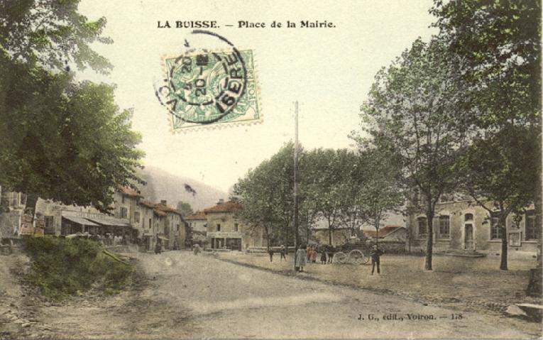 place_du_village_1920_la buisse
