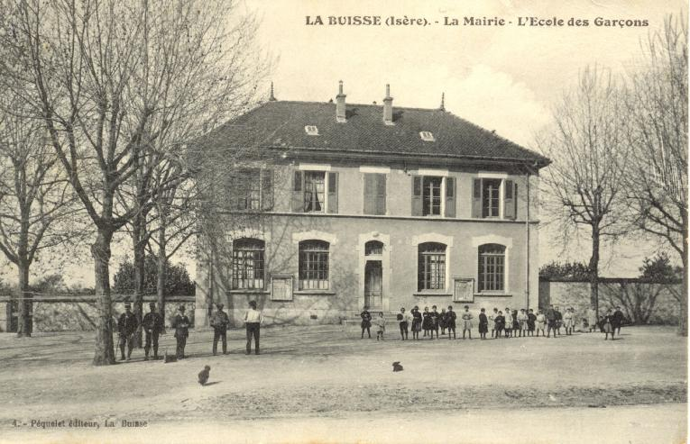 place_du_village_1918 LA BUISSE