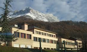 le college de SAINT PIERRE D'ALBIGNY