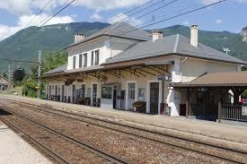 la gare de SAINT PIERRE D'ALBIGNY